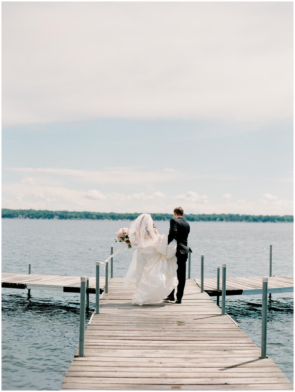MN Weddings-White Bear Yacht Club_0031.jpg