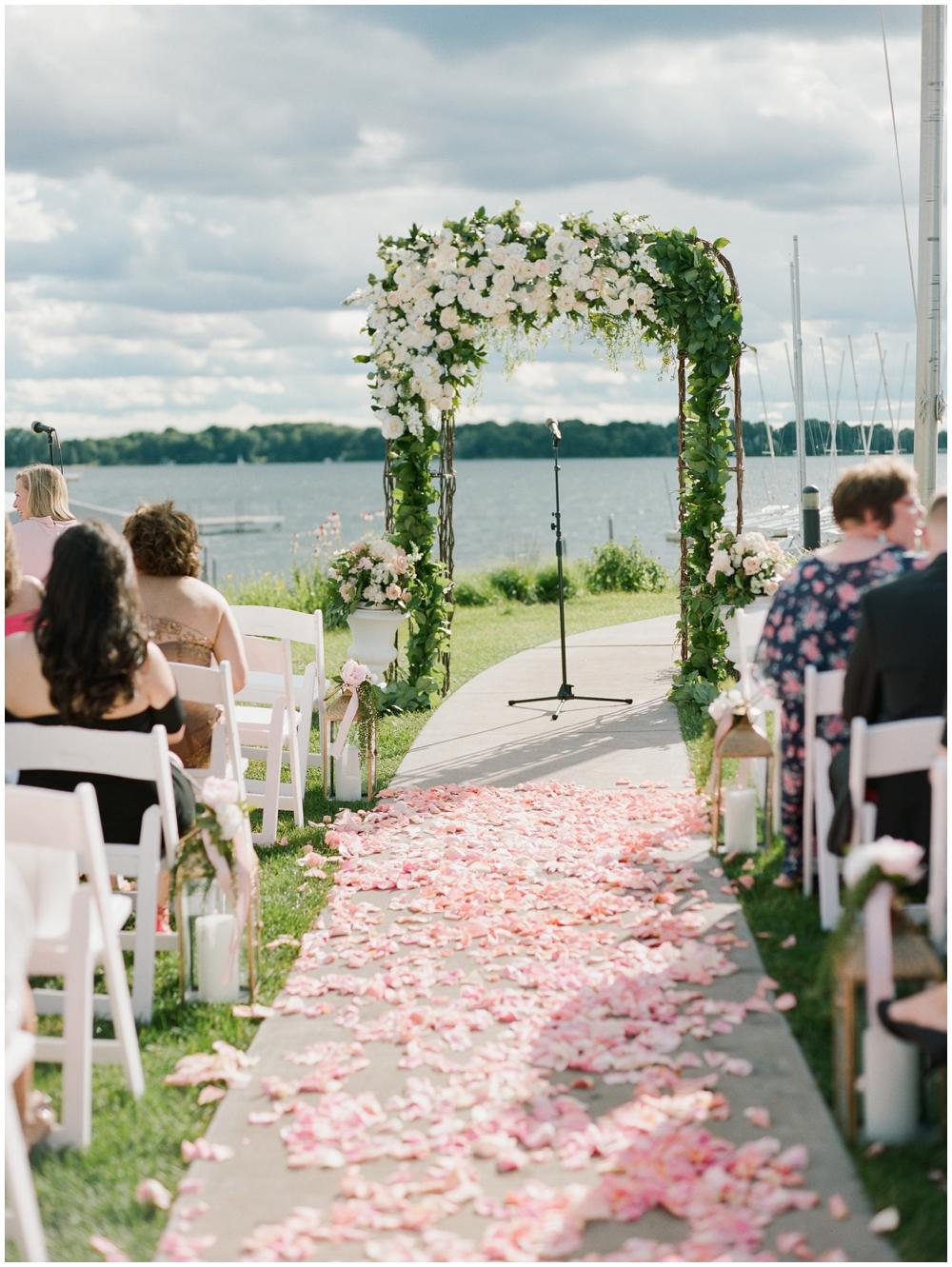 MN Weddings-White Bear Yacht Club_0038.jpg