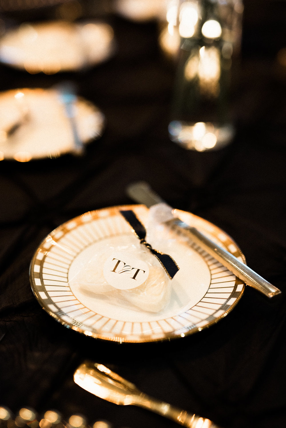 black, white, and gold wedding tablescape