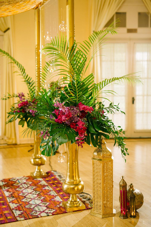 tropical themed wedding decor