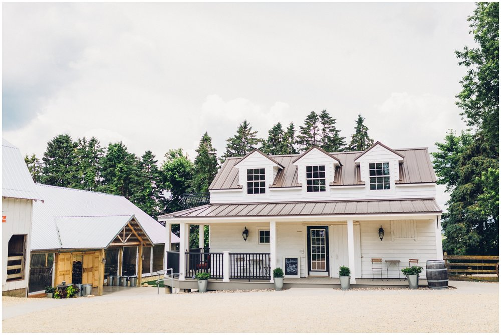 Minnesota wedding at Legacy Hill Farm