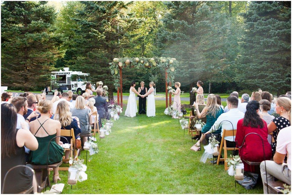 Outdoor wedding ceremony in Jeff Keys