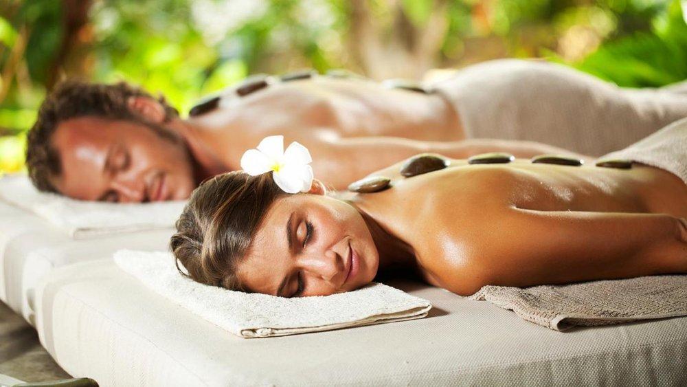 honeymoon-couple-massage.jpg