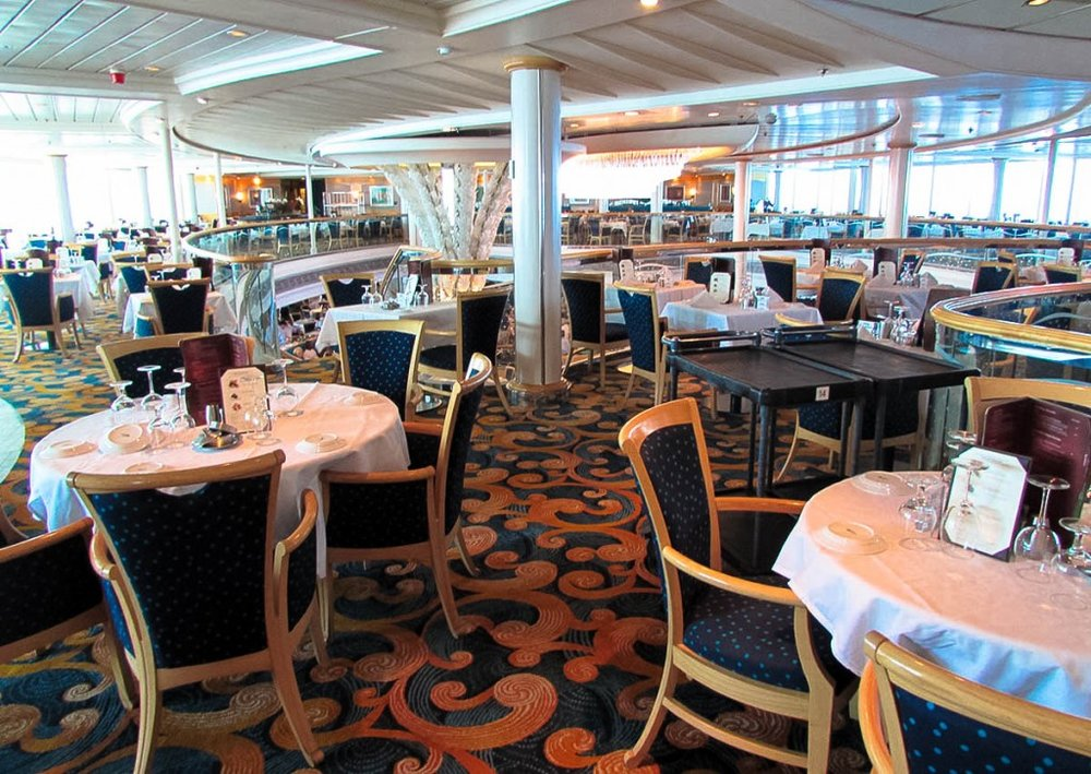 9 Tips on eating in the dining room on a cruise