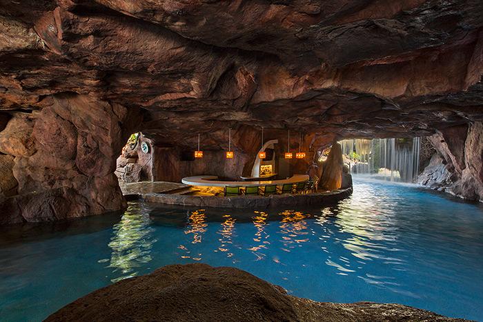 Grotto Bar