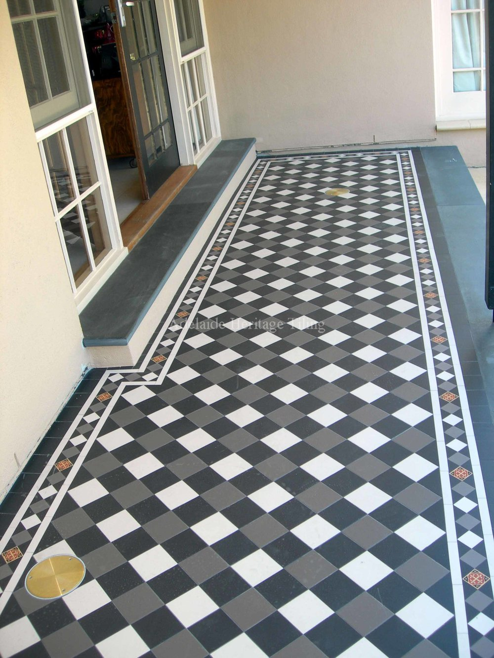 Adelaide heritage tiling black white and grey squares on diamond with norwood border alternating colours doublecrazyfo Images