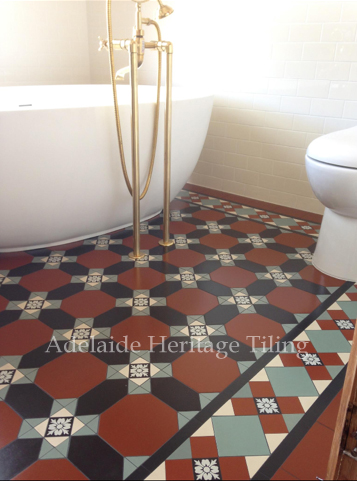 Windsor Pattern floor with brickbond wall tiles