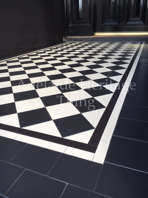 Black and White Diamonds with White Strip and Black and White Filler Tile Border