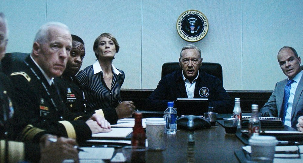 Richard Amott (second from left), White House Situation Room, Season 5, Episode 2, House of Cards