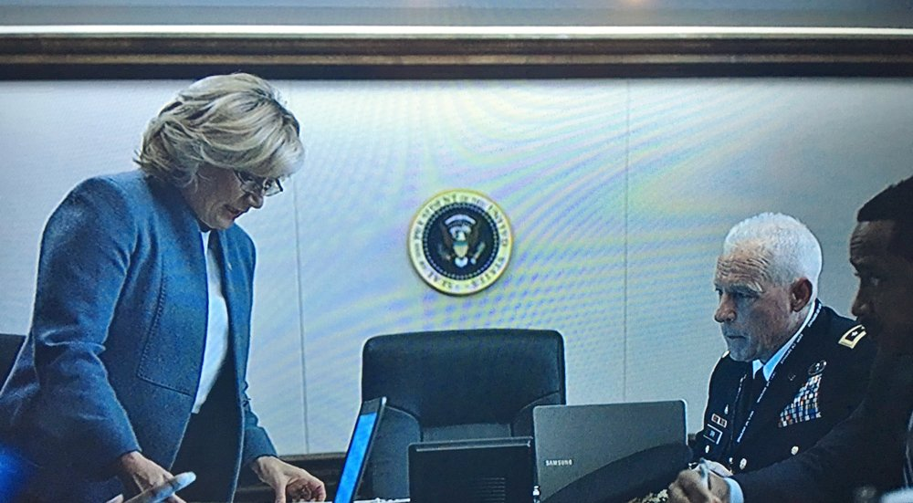 Richard Amott (middle), White House Situation Room, Season 4, Episode 4, House of Cards