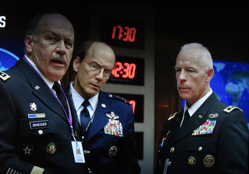 Richard Amott (right), Emergency Bunker, Season 5, Episode 7, House of Cards