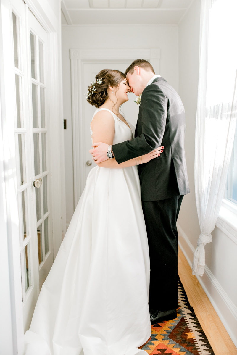haley-richter-photography-airbnb-winter-wedding-longbranch-newjersey-mcloones-pier-house-beach-080.jpg