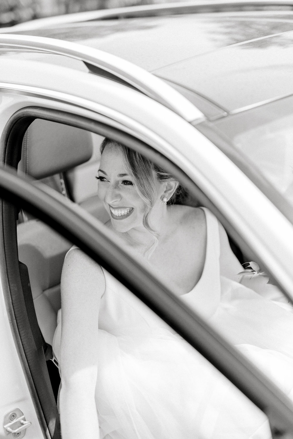 Kerry arrives at her wedding in style with a huge smile that lights up the room. She had such a classic look for her Italian themed wedding day at the Baltimore Country Club.