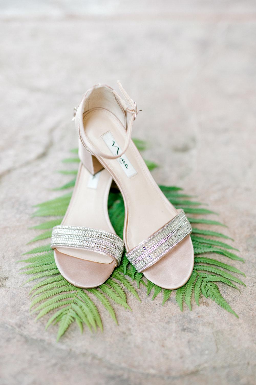 haley-richter-photography-nina-wedding-shoes-sandal-silver-blush-sparkly-diamond-glitzy-block-heel