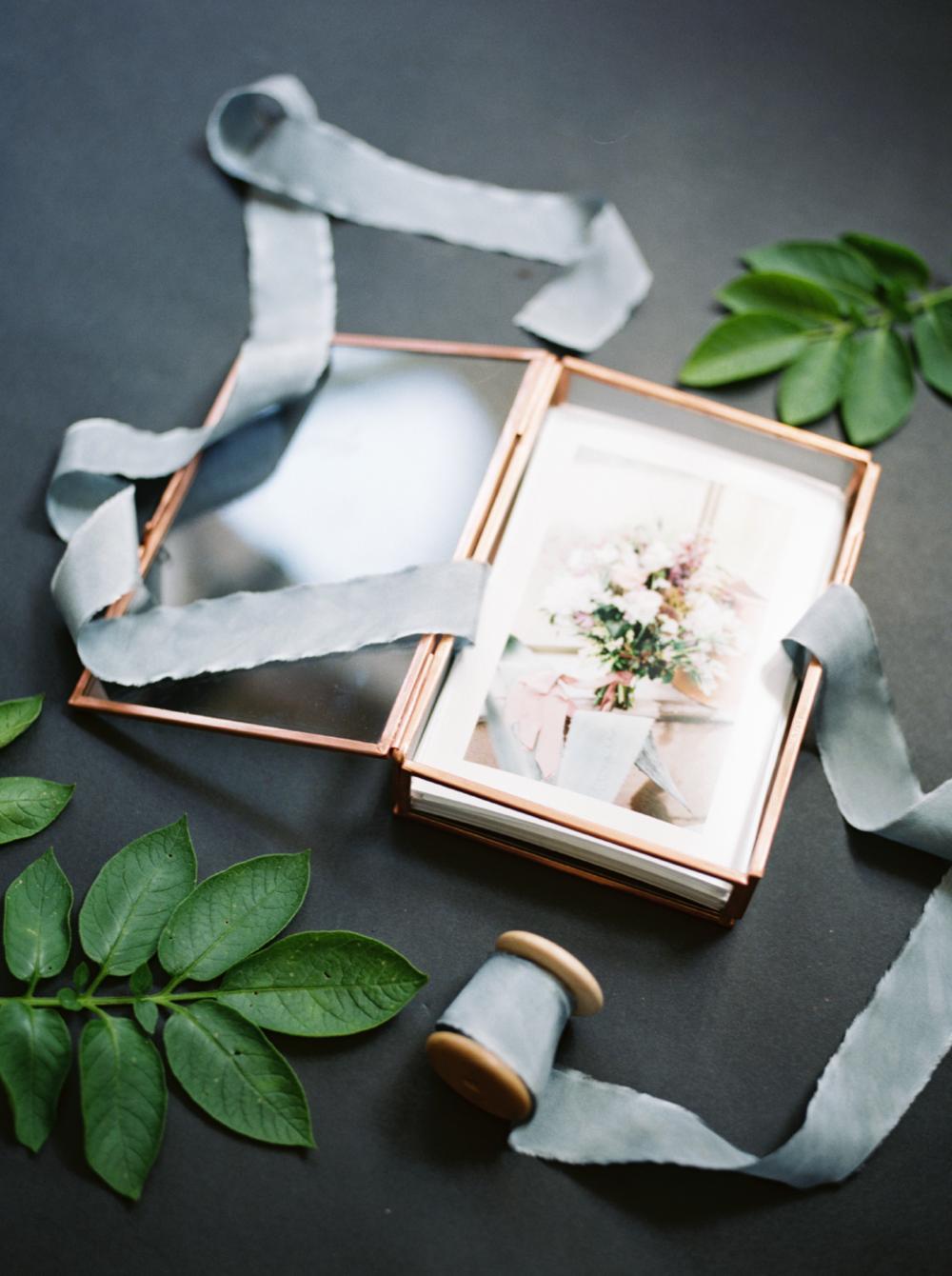 glass print box for wedding photos