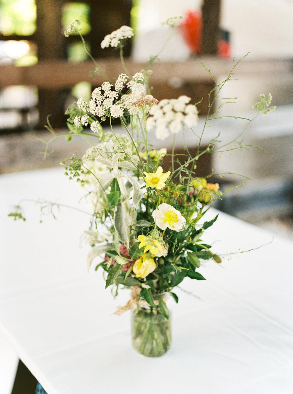 ithaca-farmers-market-wedding-haley-richter-photography-133.jpg