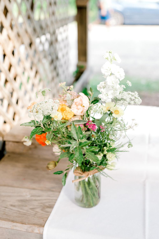 ithaca-farmers-market-wedding-haley-richter-photography-054.jpg