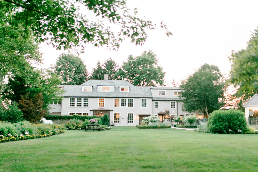 Hotel du Village makes for a perfect modern wedding right in the historic town of New Hope, Pennsylvania.
