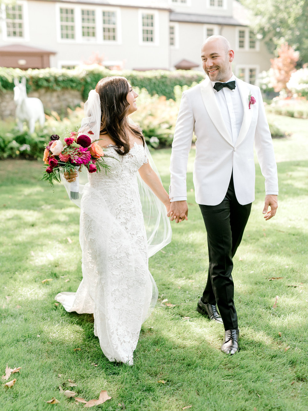 Quirky and cute summer wedding at the American Swedish Historical Museum in Philadelphia, Pennsylvania