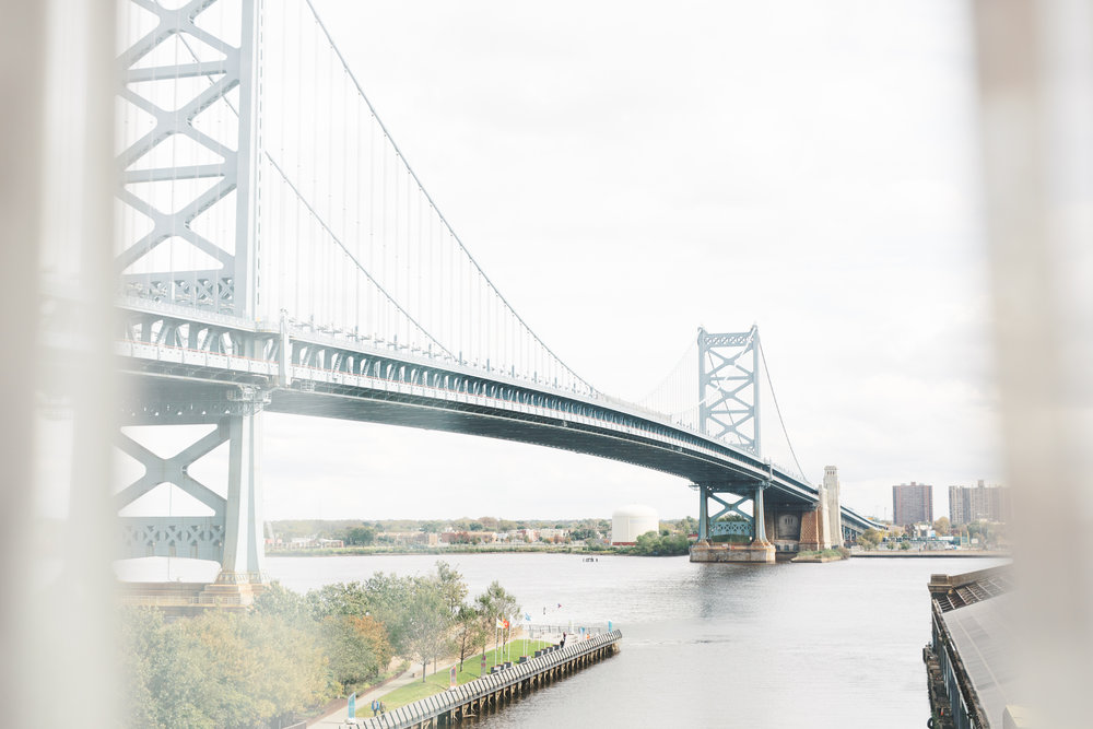 We love how close we were to the scenic Benjamin Franklin Bridge for this modern and elegant old city Philadelphia wedding at Power Plant Productions. Power Plant Production wedding photographer
