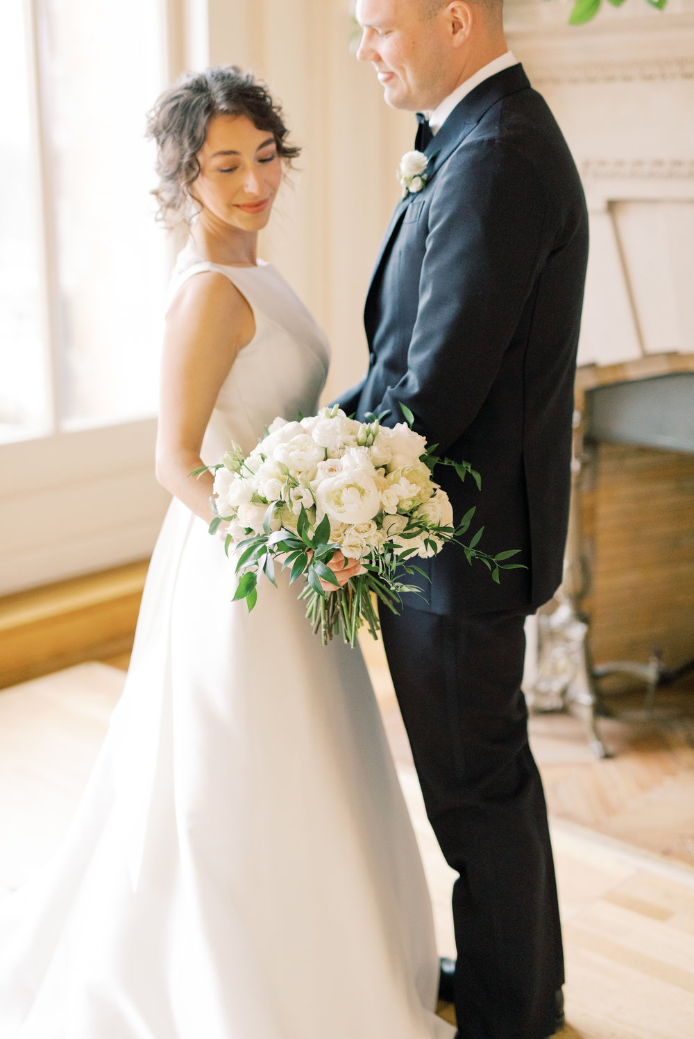 This white bouquet with trailing greens added the perfect classic touch for this romantic and classic wedding day for their french inspired green and white Cairnwood Estate wedding