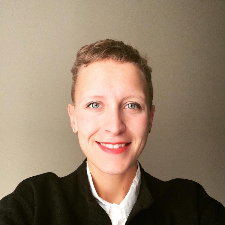Zofia Ciechowska - Director, Strategy and Operations @ Etsy