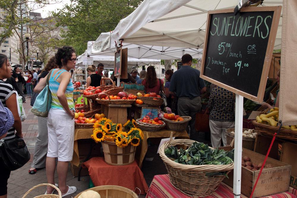 Copley_Square_Farmer's_Market.jpg