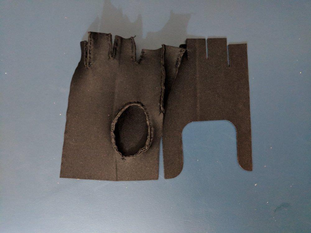 W12_glove 2.jpg