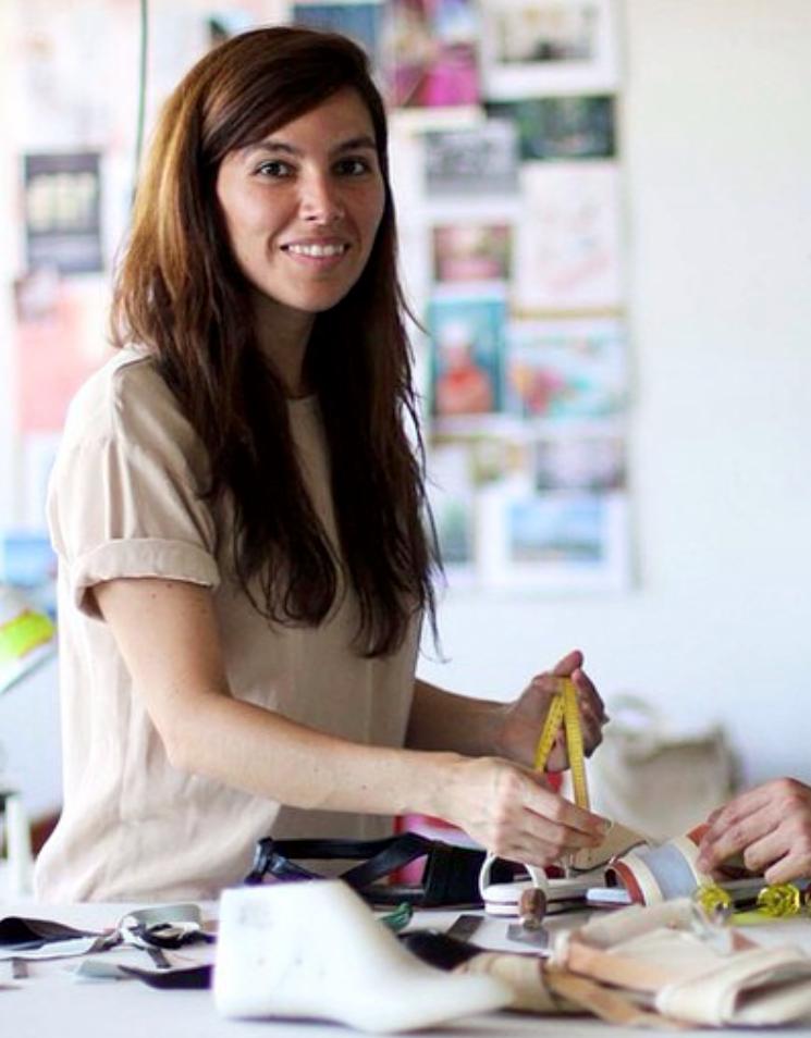 Karla Gaud - Funda Mariemuna marca de calzado diseñada bajo los principios de slow fashion.Karla divide su tiempo entre Puerto Rico y Nueva York en donde es la desarrollada de productos para la marca contemporánea de calzado Isa Tapia.
