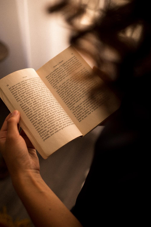 As-tu des mantras ou courtes phrases que tu répètes régulièrement, qui te renforcent et t'aident à garder le cap ? -