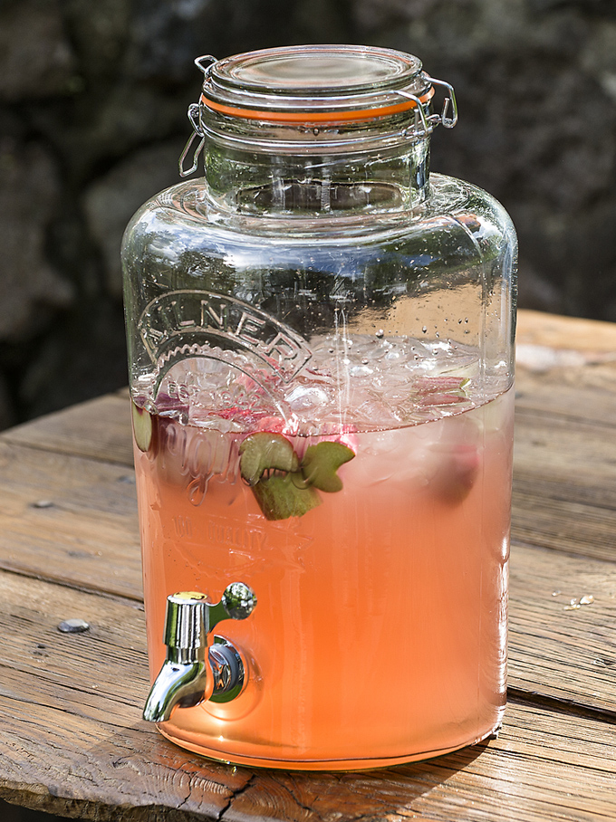rhubarb-cocktail-kilner-jar.jpg