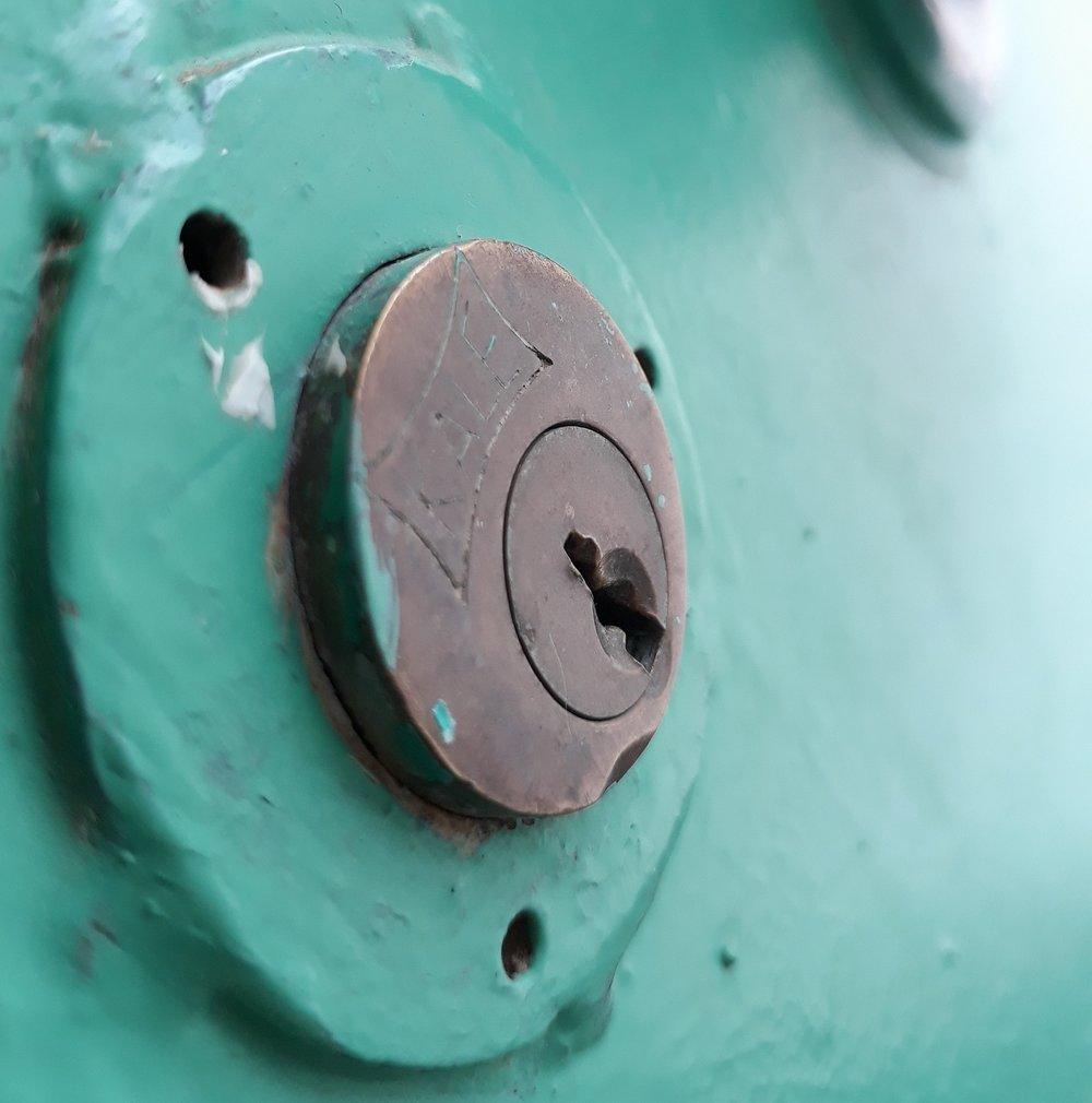 residential-commercial-lock-repair-oregon-locksmith.jpg
