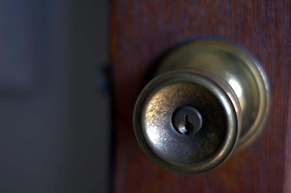 doorknob-replacement-central-oregon.jpg