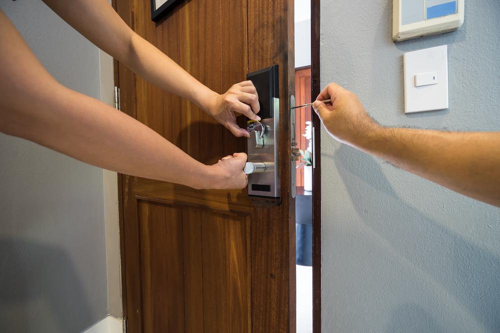 locksmith-house-lock-installation-services.jpg