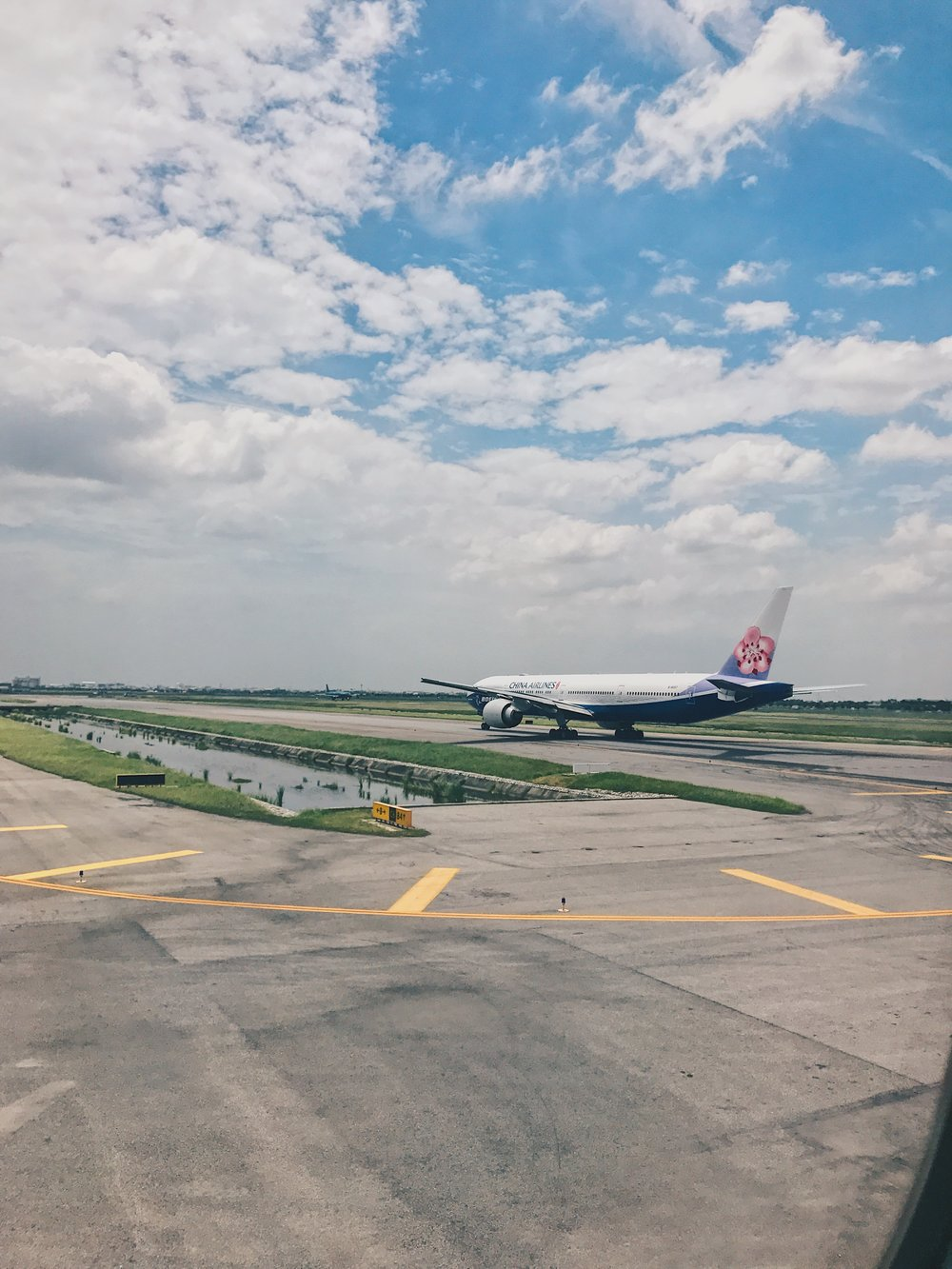 A China Airlines jet taxiing into position