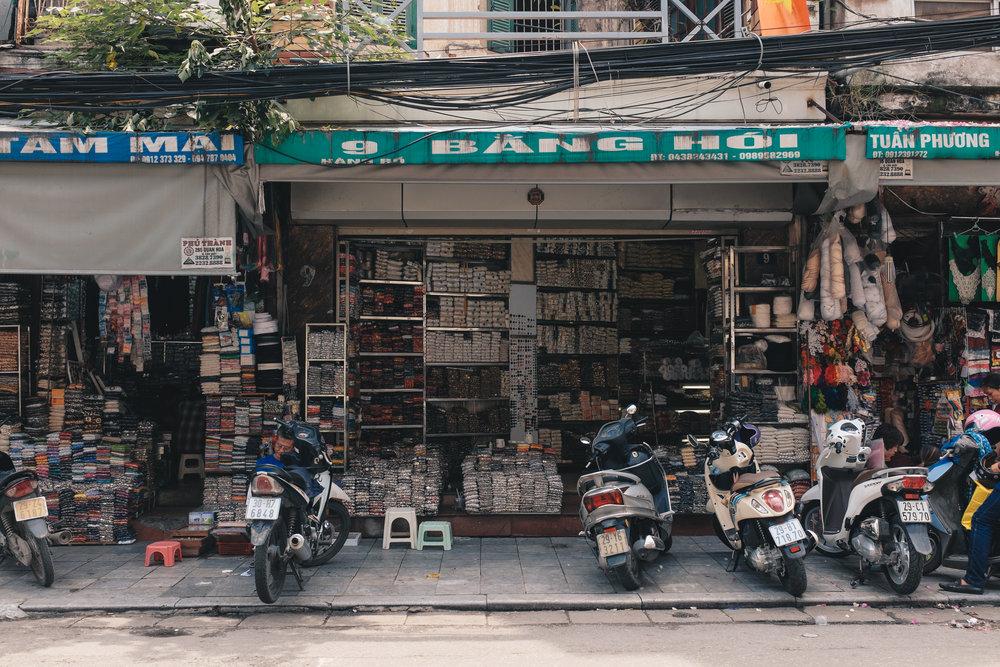 hanoi-street-market.jpg