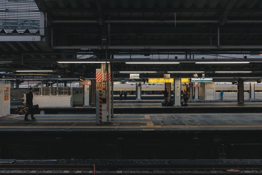 tokyo-metro-jr-line-subway.jpg