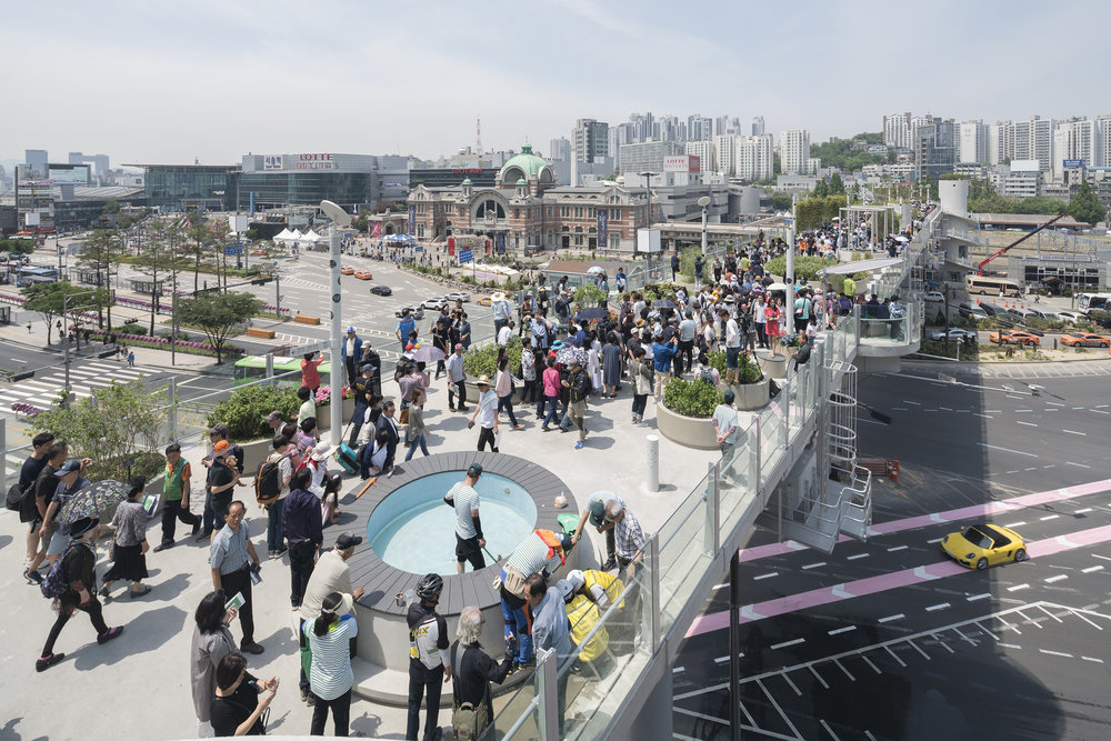 Seoullo 7017 is a mega-project aimed at revitalising yet preserving the heritage of downtown Seoul,  photo from multivu