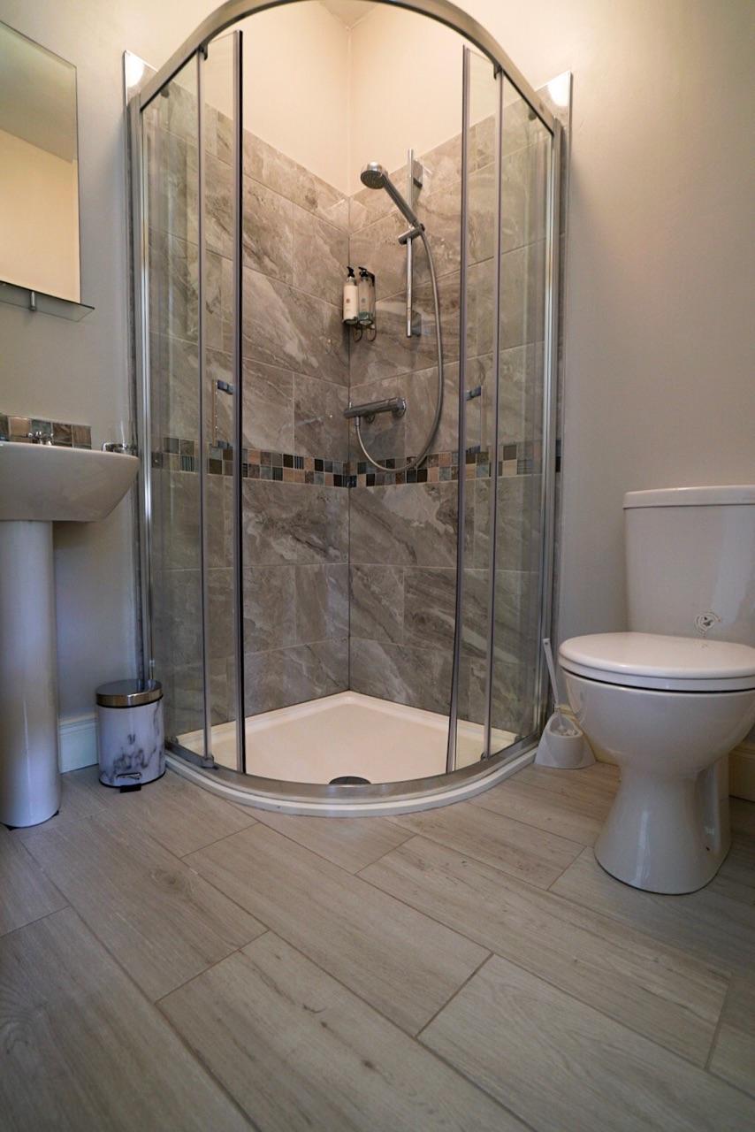 secondfloor-bath