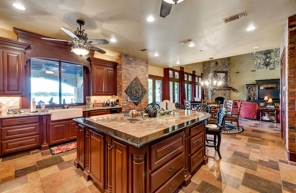 Steve_Bumpas_Custom_Homes_Granbury_Sumerlin_07.jpg