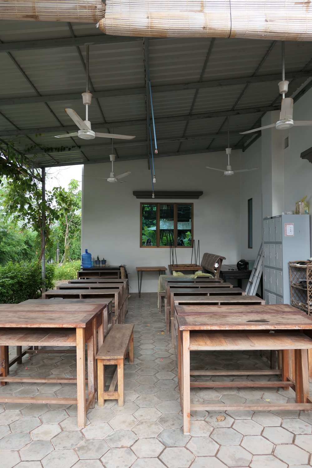 An eco-friendly and highly versatile outdoor classroom at EGBOK Mission in Siem Reap. Only takes a few minutes to set up, move around or stow away.