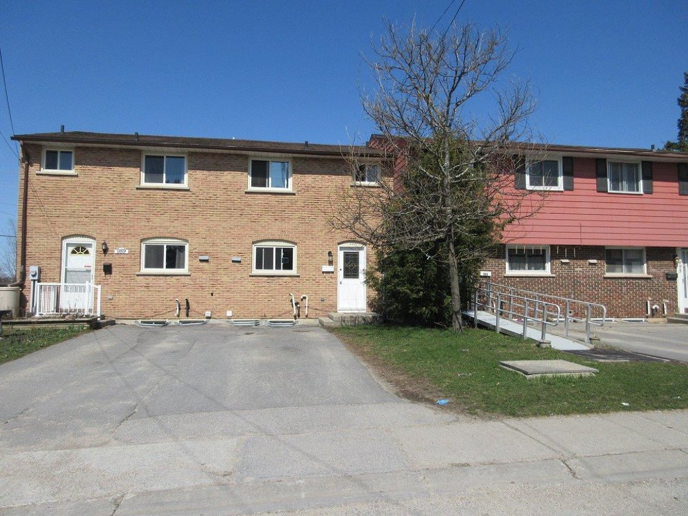 991 Oakview Avenue - SOLD - -