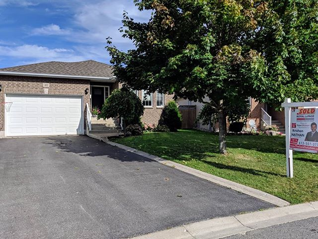 SOLD!  402 Cooke Crescent!  For more information on our listings please visit http://thesoldsolution.com/  #sold #ygkkingston #realestate #realestateagent #teamkrishannathan #kingston #homesold #realestateagents #homes #properties #city #location #homeowners #homeownership #realtor #realtorslife #happy #happyclient #lovemyclients #lovemyjob #congrats