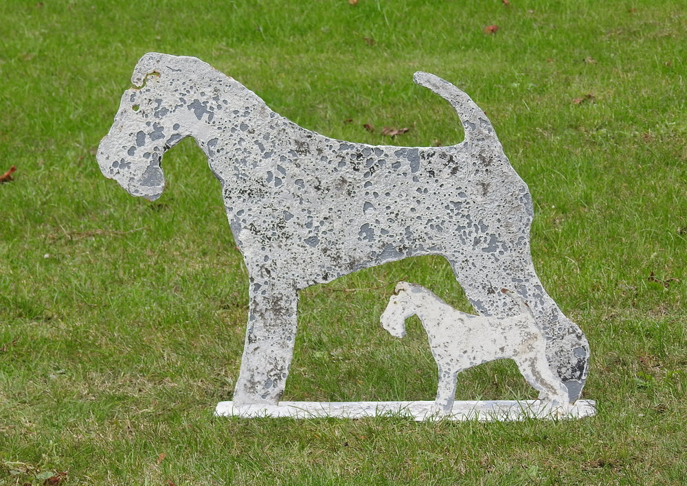 Fox Terrier - £95 & £32 - Lifesize:  55 x 41cmMini:  21 x 16cm