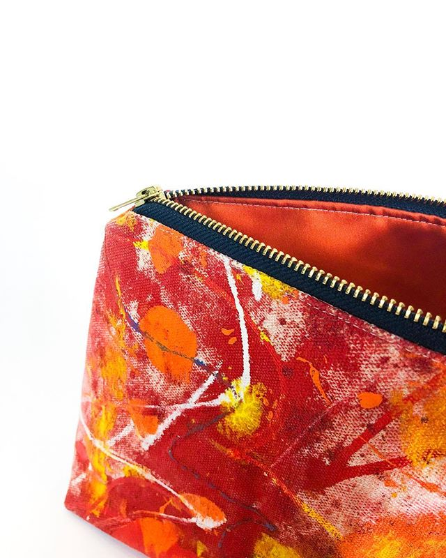 "🌺🎨🔥 3/10 Cosmetic Bag  10 oz canvas  Oil & Acrylic Paint  Satin liner in deep orange  Yoshida Kōgyō Kabushiki Zipper  Measures 8 * 3 * 7"" Approx ☝ @beausejour.co 💘 🐇 🌹 🌹 💀 🌹 💀 🌹 💀 🌹 💀 🌹 💀 🌹 💀 🌹 💀 🌹 💀 🌹 💀"