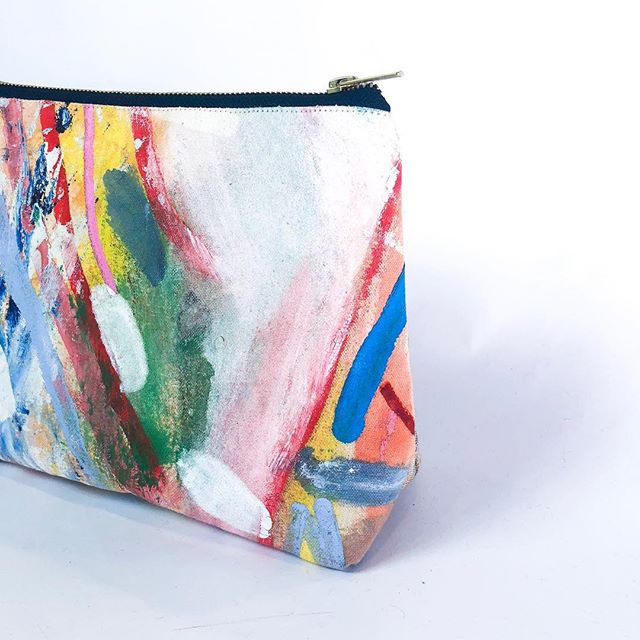 🎨💍💋 4/10 zippered cosmetic bag From our archives 🧙♀️📜