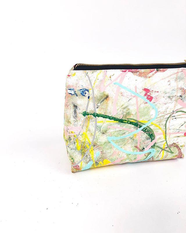 "🎨🌸💖 22/50 Cosmetic Bag  14 oz canvas  Oil & Acrylic Paint  Satin liner in ballet slipper pink  Yoshida Kōgyō Kabushiki Zipper  Measures 8 * 3 * 7"" Approx ☝ @beausejour.co 🦑🌸🦑🌸"