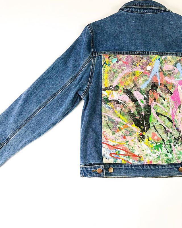🎨✨Oil & acrylic on 14 oz canvas appliqué  W. Large --- We believe that art should be seen. This jacket bears cuts from original painted artwork sewn to the denim. Each jacket is completely unique, never replicated.  Hand wash cold. Lay flat to dry.