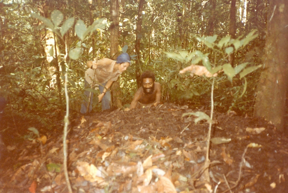 Ruti and Francesca in jungle fowl nest (1982)