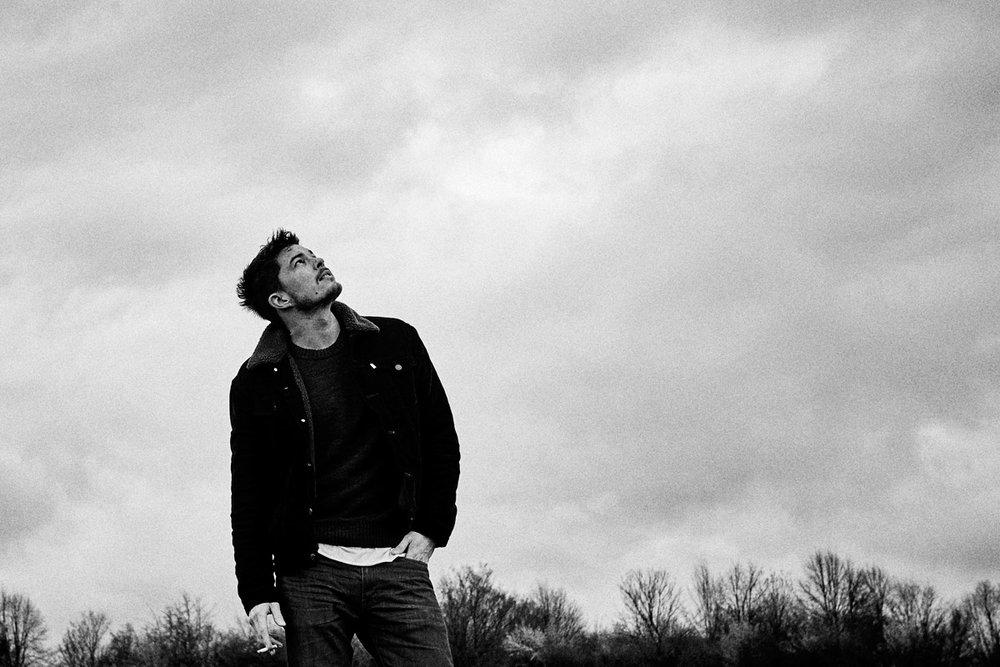 About - Niklas Gabor Niessner* in Freiburg im BreisgauStudium an der Hochschule für Design in FreiburgAusbildung zum Fotografen in MünchenSelbstständig als Fotograf seit 2015Sitz in SüddeutschlandKein Weg zu weitLove & cheers
